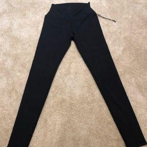 Aloyoga airbrush black leggings size small